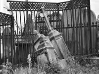 Série «Le cimetière de Badin»